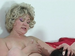 Sleepy girl urged into a lesbo quickie
