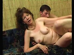 Pale-skinned mommy enjoys a real deep penetration